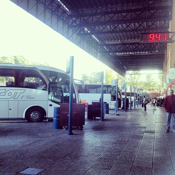 tres cruces bus terminal