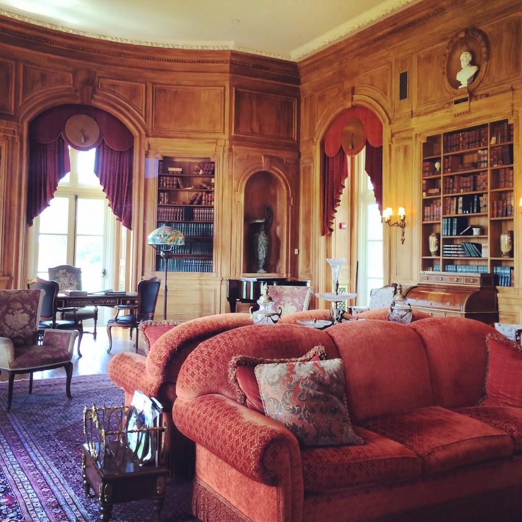 oheka castle library