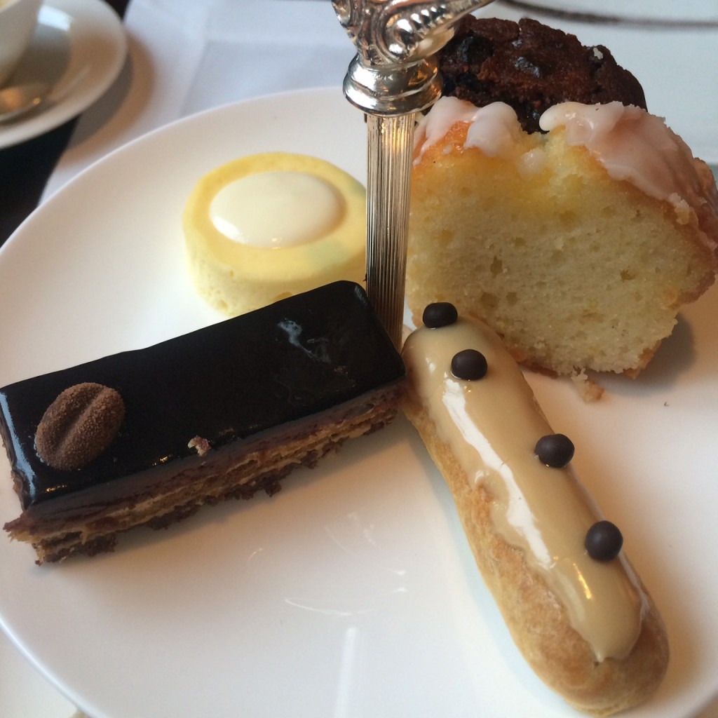 afternoon tea at mandarin oriental hong kong