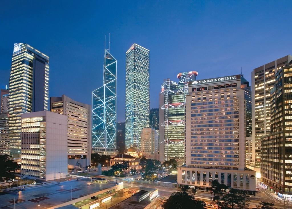 hong-kong-exterior-view-night-04