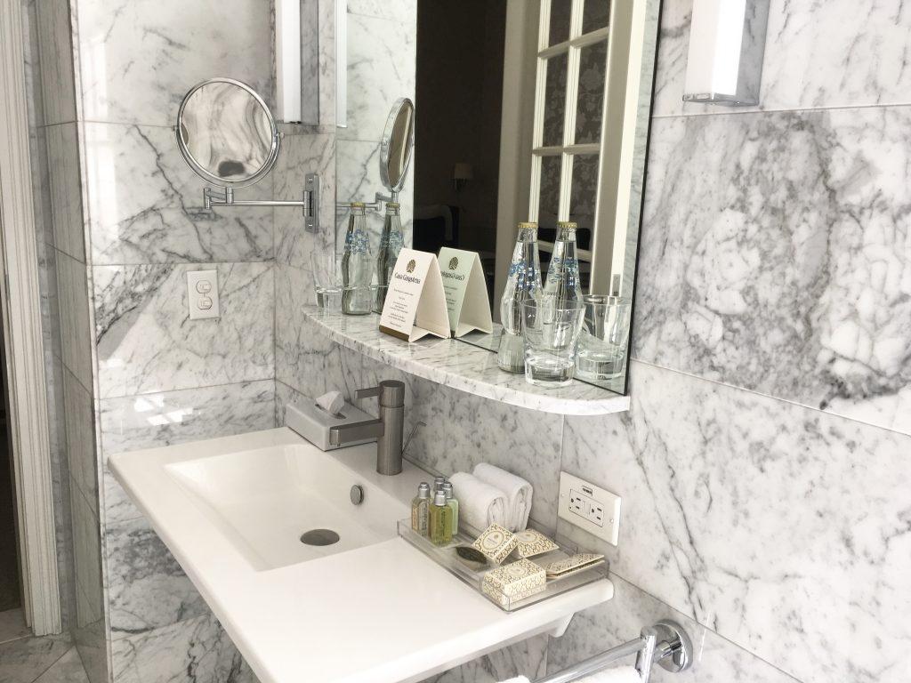 casa gangotena quito ecuador bathroom