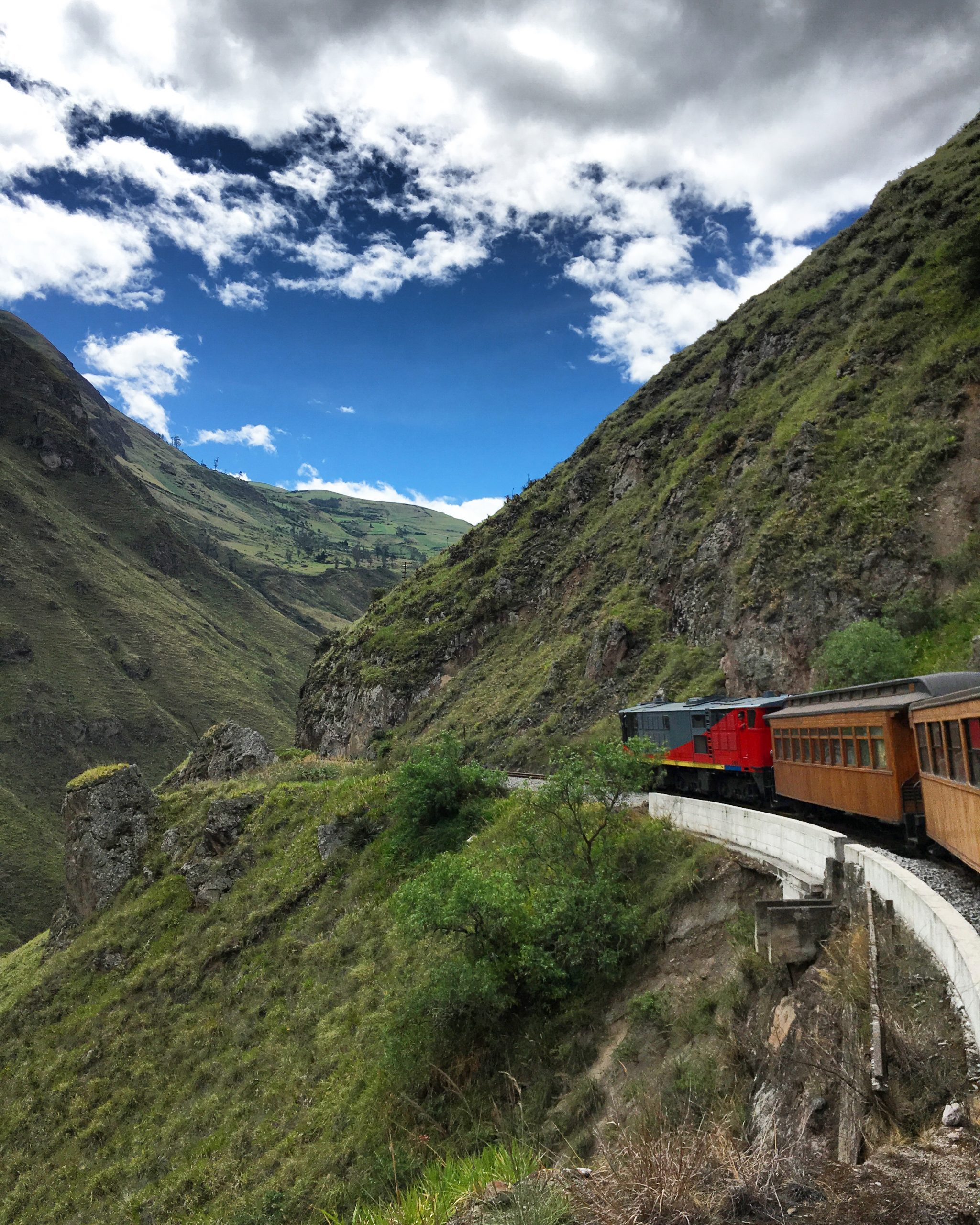 Video: Nariz de Diablo Train Ride in Ecuador