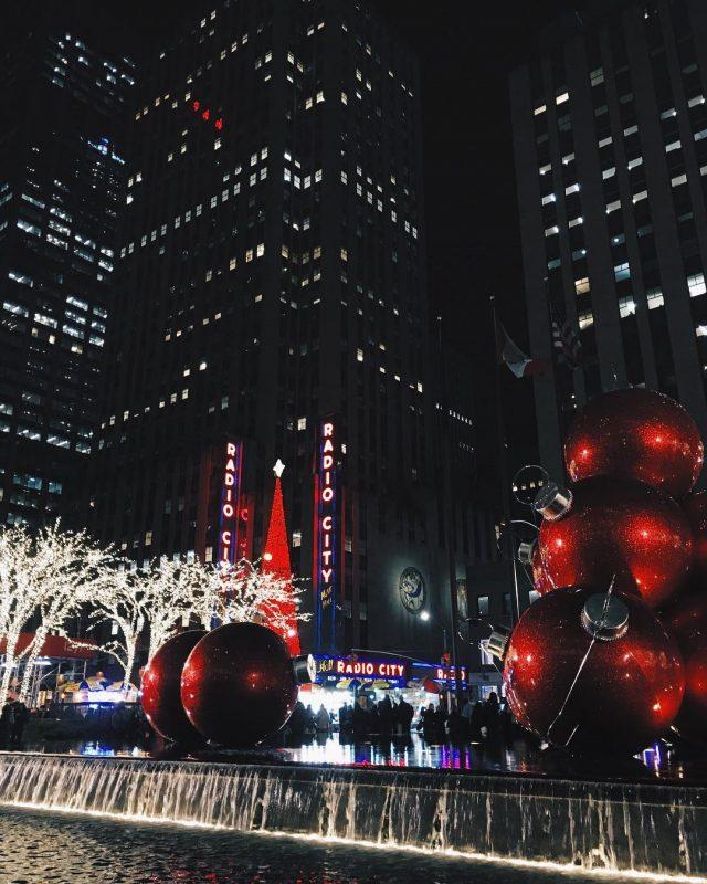 radio city music hall christmas nyc