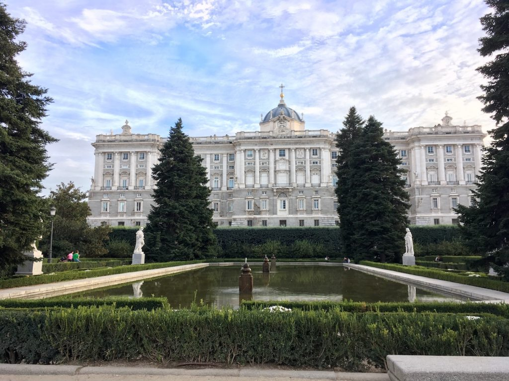 palacio real madrid exterior