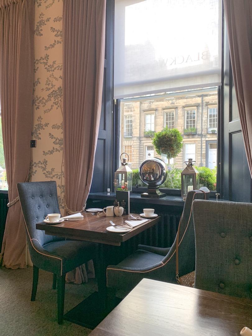 Nira Caledonia Breakfast Room