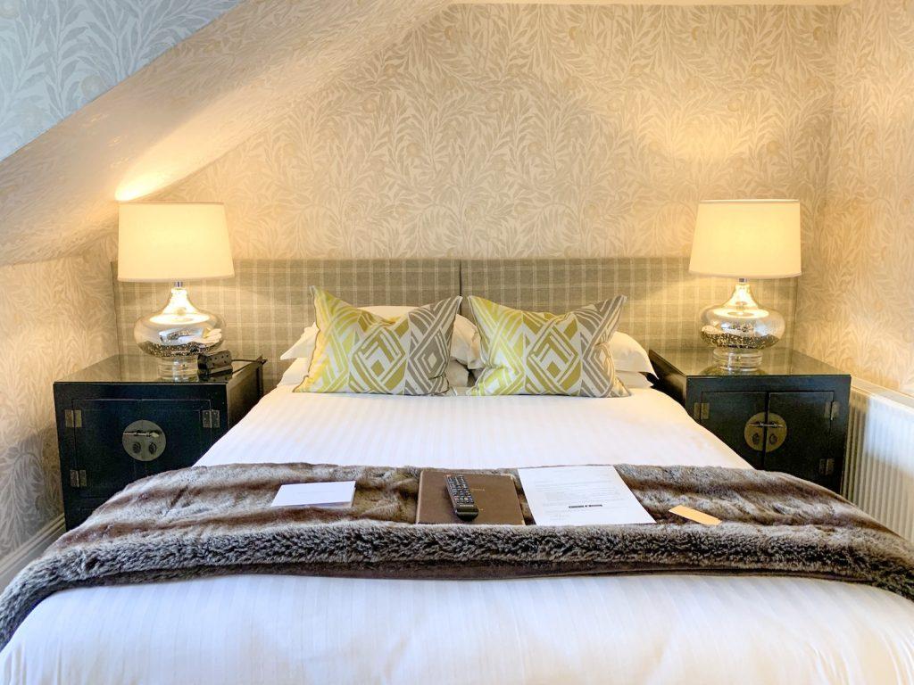 Nira Caledonia Executive Plus bed