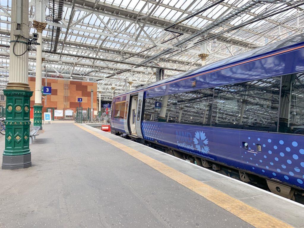 Waverly Station Edinburgh Train Platform
